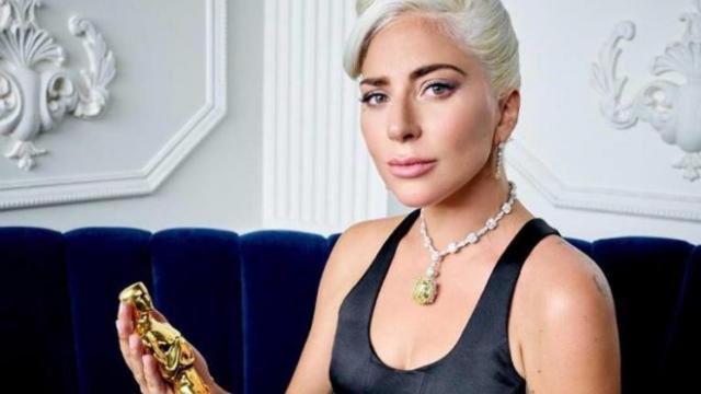 Lùm xùm ca khúc Shallow của Lady Gaga bị Tố đạo nhạc, so sánh hai bài hát để xem ai có lí hơn !!!
