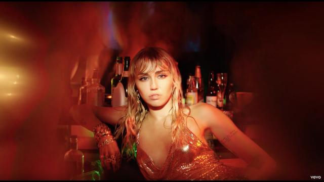 Miley Cyrus - Slide Away |  Đã đến lúc Buông tay nhau rồi !!!