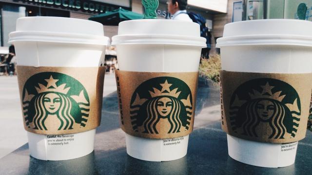 9月咖啡戰! 星巴克等品牌 連30天!!買1送1