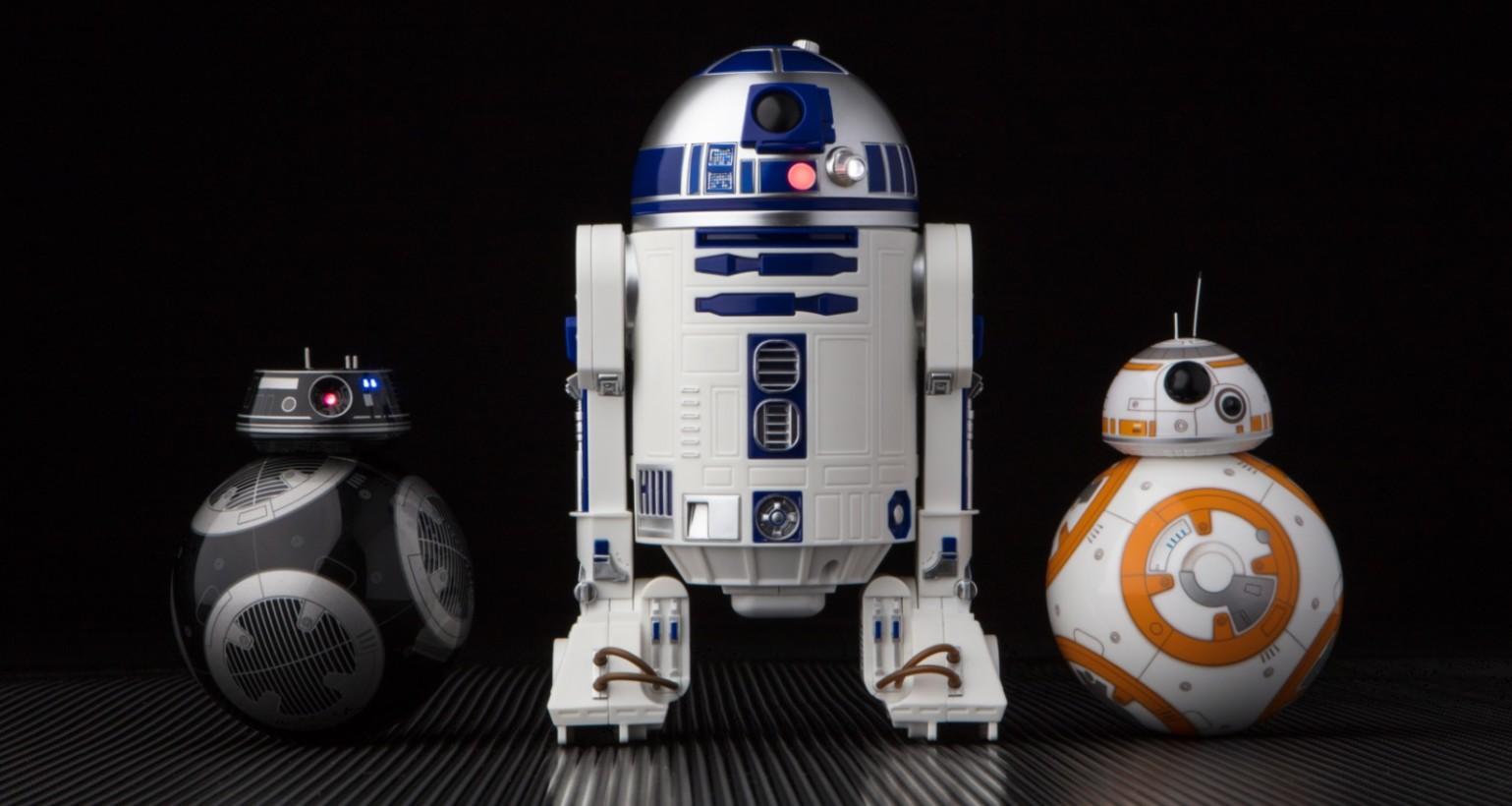 星戰迷不可錯過的最佳收藏!「R2-D2」及「BB-9E」智能遙控機器人(附上星戰8:最後的絕地武士精彩預告及精闢解說)