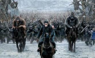 《猩球崛起:終極決戰》人類與猩猩誰活到最後?