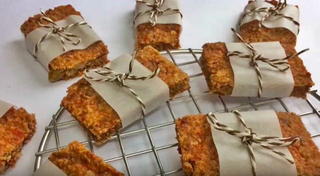 【食驗室】胡蘿蔔燕麥方塊