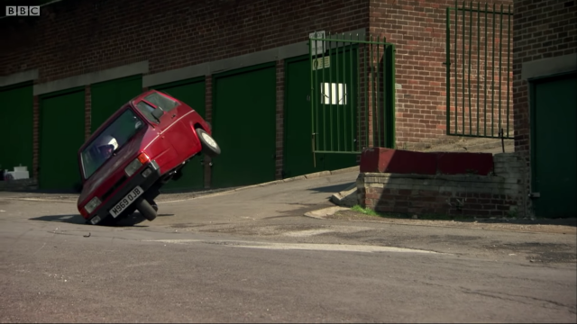 老是被豆豆先生欺負的英國三輪車|翻滾吧!羅賓