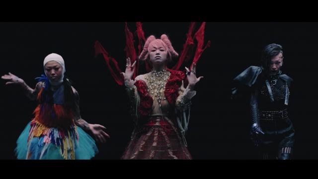 椎名林檎新專輯《三毒史》華麗黑暗的逆襲!