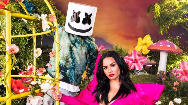 Marshmello 聯手 Demi Lovato 打造〈Ok Not To Be Ok〉,呼籲自殺防治的重要性